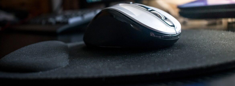 как почистить коврик для компьютерной мышки